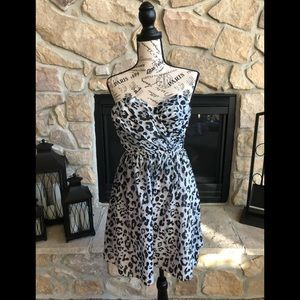 Black and white strapless express dress